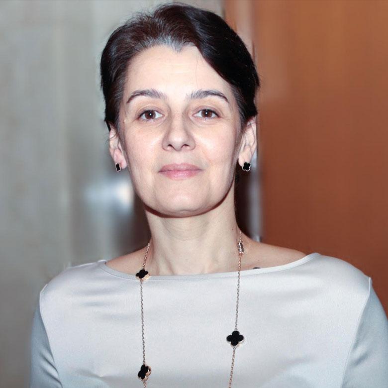 Dr.-Naira-Velumyan